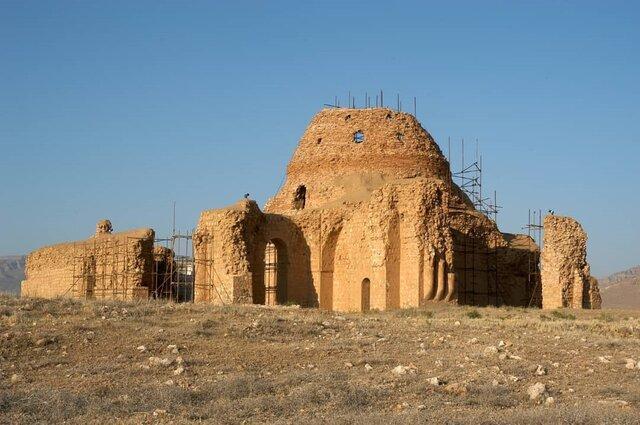 رفع خطر از گنبد مرکزی کاخ جهانی ساسان سروستان