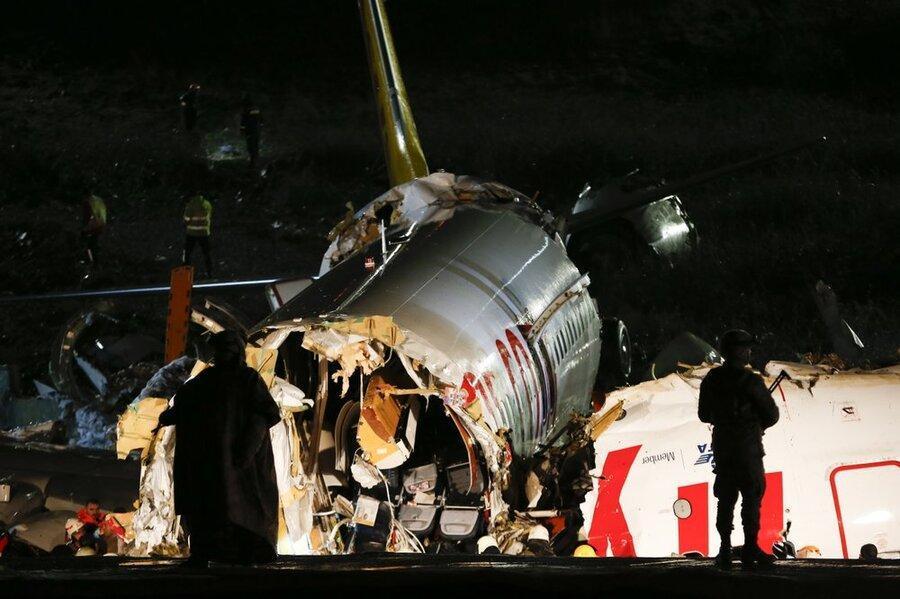 خروج هواپیما از باند در استانبول 120 زخمی به جای گذاشت، کابین خلبان ها از جا کنده شد