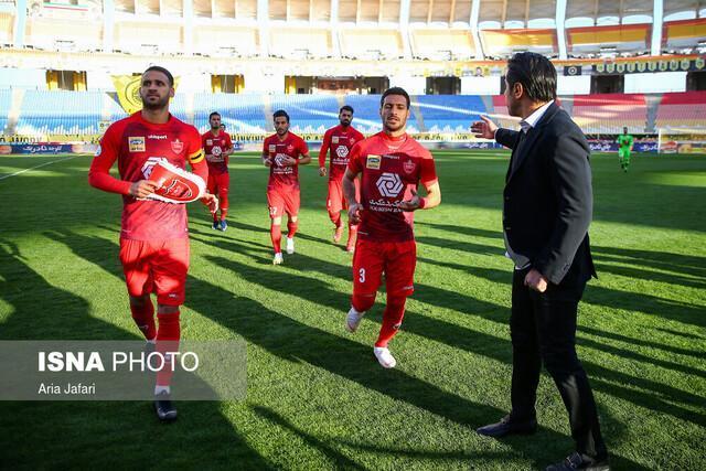 اعتراض فوتبالی ها به برگزاری لیگ برتر؛ مسابقات را متوقف کنید