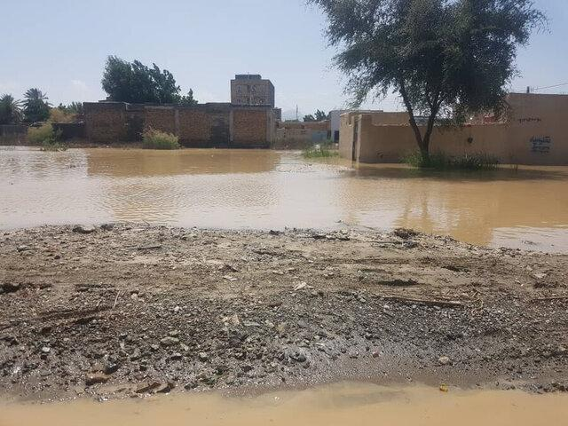 مسدود شدن 20 راه روستایی، تخلیه آب خانه ها توسط هلال احمر