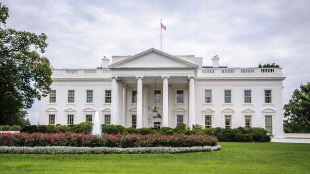 رویکرد خطرناک کاخ سفید در برابر کرونا و افزایش انتقادها