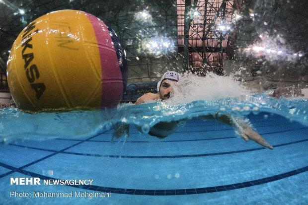 کرونا شنا و واترپلو را نابود کرد، برای برگزاری لیگ مجوز نداریم