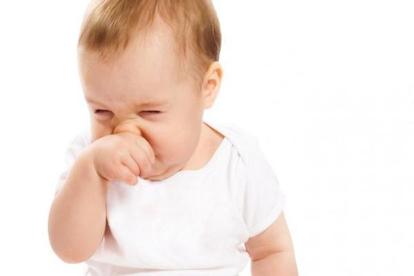 همه چیز درباره قطره بینی نوزاد
