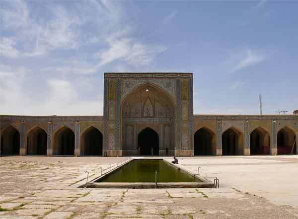 مسجد وکیل شیراز، یادگار زندیه