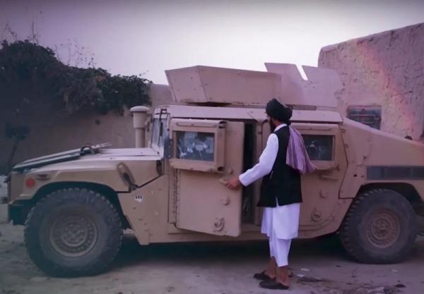 فوربس: طالبان حدود 700 خودروی نظامی را در ماه اخیر غنیمت گرفته است