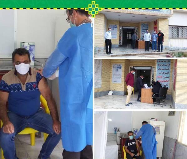شروع واکسیناسیون رانندگان تاکسی شهر فیروزکوه